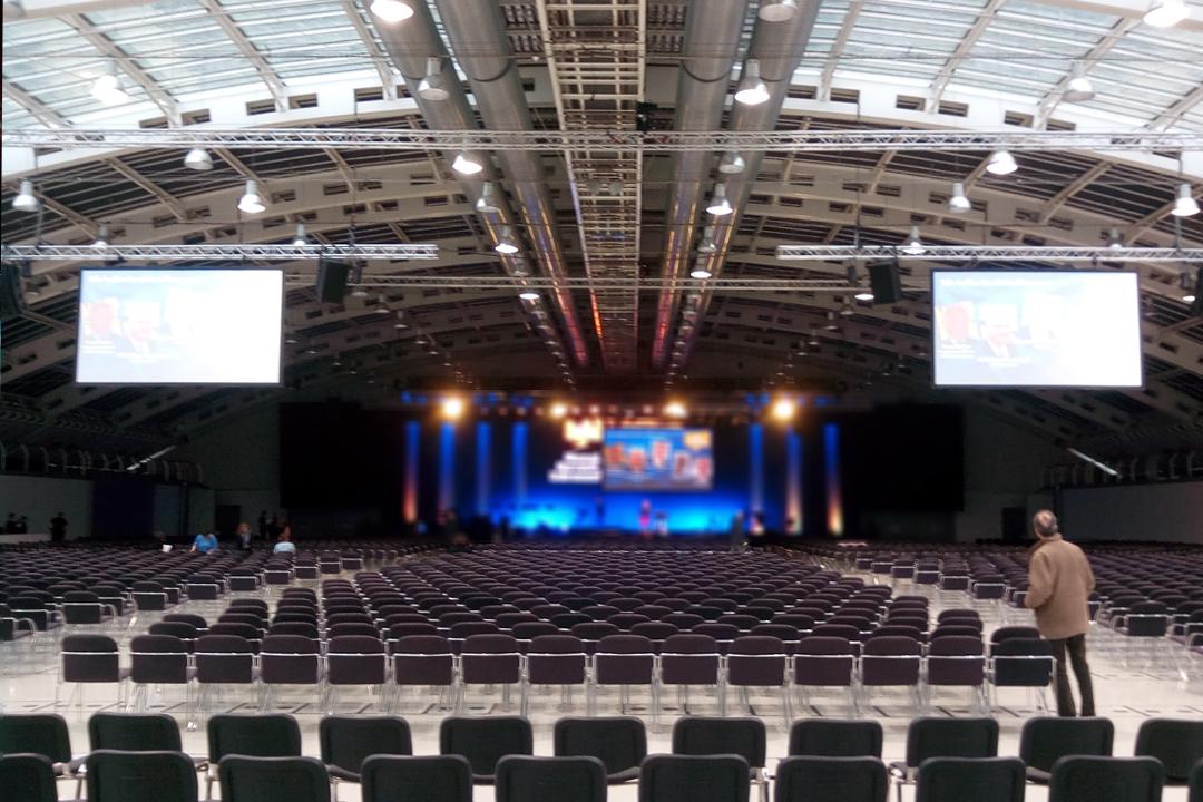 CLV-Hauptversammlung2018 Aufbau Beamer, Kameratechnik, LED-Screen